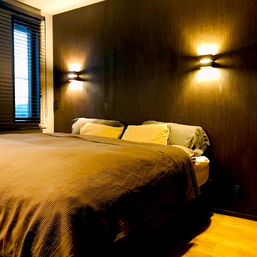 ベッドが中心の寝室