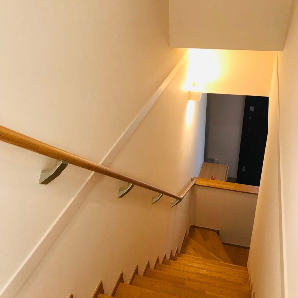 新築階段の写真